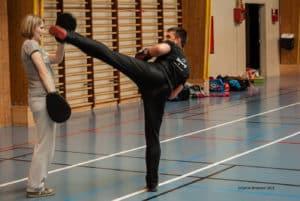 Jacky Roy se prépare à un assaut de boxe française à la Coupe du Val d'Oise 2014