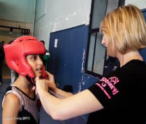 Zahra du Kodiak'95 au Tournoi de l'Avenir savate boxe française le 26 avril 2015