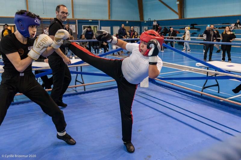 Nour Bezzazi au Championnat départemental jeunes de savate boxe française 2020